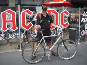 AC/DC. War ich mal mit dem Fahrrad