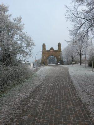 Harburger Brücke, glatt