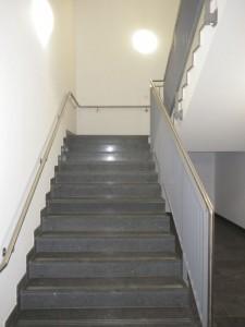 Treppenjoggen auf der Arbeit