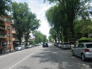 Straße zur Taxistation