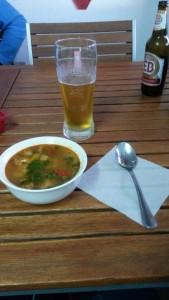 Fischsuppe & Gerstenschorle